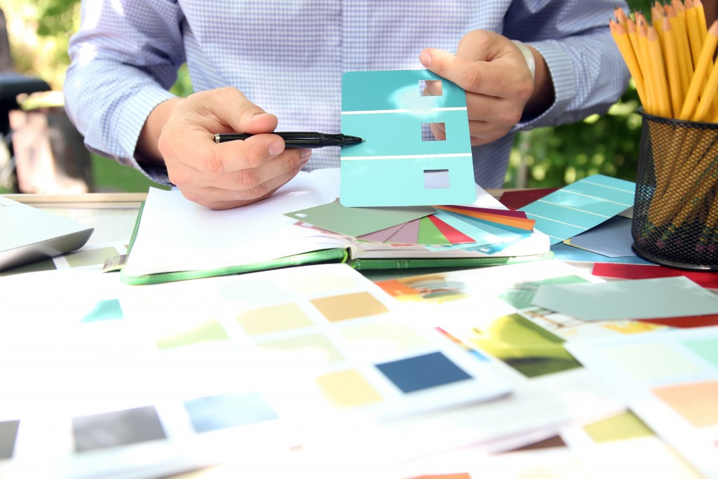 choosing a color pattern for the house